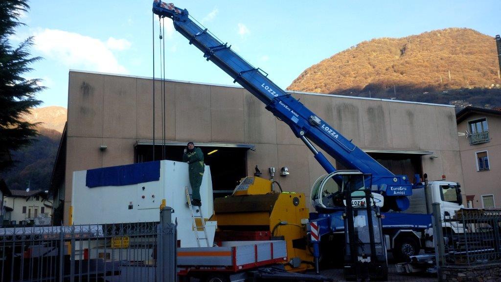trasporti traslochi e montaggi industriali movimentazione e sollevamenti IMG_00003225